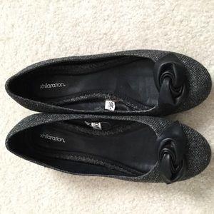 Xhilaration Size 8 Grey flat shoes